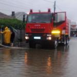 CĂLĂRAŞI: Gospodării inundate din cauza ploilor, în municipiul Olteniţ...