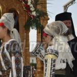 FOTO: Mii de credincioşi s-au închinat, la Târgovişte, la moaştele Sfâ...