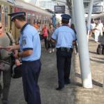 ARGEŞ: Poliţiştii au vorbit cu călătorii cu trenul despre prevenirea f...