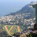 REUŞITĂ: Un român a sculptat chipul statuii Mântuitorului din Rio de J...