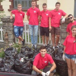 DÂMBOVIŢA: Tinerii UNPR-işti au adunat gunoaiele din comuna Pietroşita