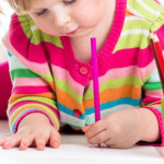 SFAT: Cum îi pregătim pentru şcoală pe copiii stângaci