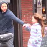 VIDEO: Experiment social! Tu ajuţi un copil care s-a rătăcit pe stradă...