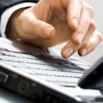 DOSAR: Le vindea românilor pe internet produse contrafăcute drept mărf...
