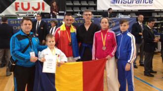 Alexandru Munteanu (cu diploma)