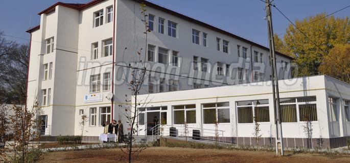 centru social gaesti 1