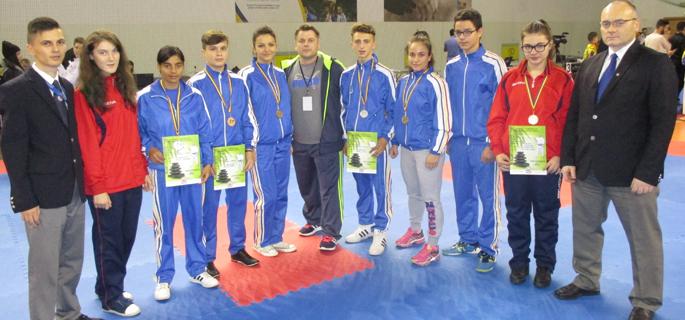foto delegatia CS-ului karate