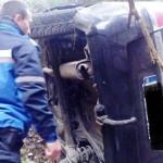 ACCIDENT: Un preot din Ucraina s-a răsturant cu maşina într-o râpă din...