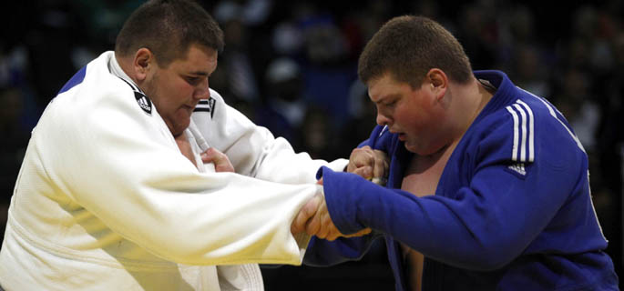 Daniel Natea, în alb (Sursa foto: International Judo Federation)