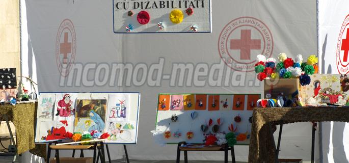 expozitie copii dizabilitati 2