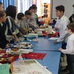 GEST: Elevii şi profesorii de la Şcoala Nr. 4 Moreni au donat alimente...