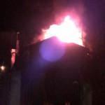 DÂMBOVIŢA: Incendiu cu repetiţie la Runcu! Focul s-a reaprins, la câte...