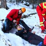 EXERCIŢIU de salvare persoane în Munţii Bucegi, la -24 de grade Celsiu...