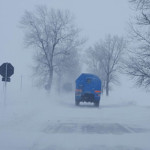 INFO UTIL: Cum acţionezi când viscolul şi zăpada te blochează în trafi...