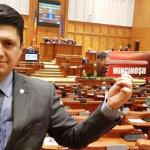 DEMERS: Senatorul Todiraşcu se judecă pentru scăderea numărului de par...
