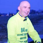 EXEMPLU: Psihologul Adrian Geamănu aleargă la