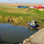 IALOMIŢA: Au plonjat cu maşina în râul Sărata, între Urziceni şi Bărbu...