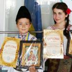 FESTIVAL: Premii pentru dâmboviţenii care au urcat pe scenă la Cernăuţ...