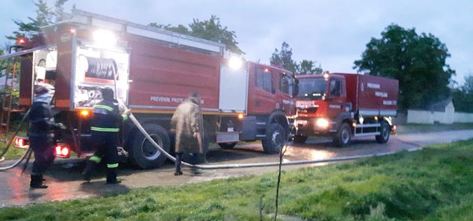 incendiu depozit furaje 2