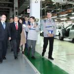 FOTO: Şeful Guvernului, în vizită de lucru la Uzinele Dacia-Renault Mi...