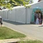 DÂMBOVIŢA: Dosar penal pentru că şi-a pus cortul de nuntă în drum!
