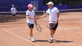 Vasile Duţă, în dreapta