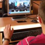 DÂMBOVIŢA: 20 de elevi de liceu sunt ajutaţi să obţină permisul ECDL p...