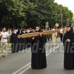 PROCESIUNE: Moaştele Sf. Nifon, purtate cu smerenie şi credinţă prin i...