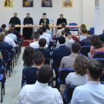 TÂRGOVIŞTE: Mitropolitul Nifon, întâlnire cu tinerii care pleacă la re...