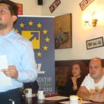DÂMBOVIŢA: Tinerii liberali, la discuţii... moderate despre justiţie!