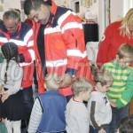 FOTO: Consiliul Judeţean Dâmboviţa şi Crucea Roşie, alături de copiii ...