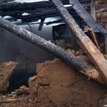 CĂLĂRAŞI: A incendiat casa, şi-a luat copilul şi o butelie şi s-a încu...