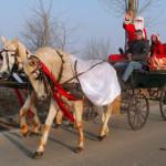 DÂMBOVIŢA: Moş Crăciun a împărţit daruri tuturor copiilor din oraşul R...