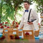 ANGAJĂRI: 400 de posturi de ospătar, bucătar, barman şi hostess