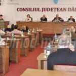 DÂMBOVIŢA: Consilierii judeţeni PNL pun în pericol proiecte de 60 de m...