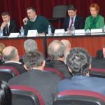 DEZBATERE: Agricultorii din Dâmboviţa s-au întâlnit cu secretarul de s...