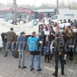 PROTEST: Angajaţii COS Târgovişte cer o creştere salarială de 16%