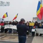 VIDEO: Românii din Paris, protest împotriva Guvernului Grindeanu