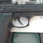 ARGEŞ: 95 de pistoale, găsite abandonate pe un câmp din comuna Cerbu