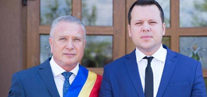 Primarul Traian Niculae şi viceprimarul Teodor Rădoi fac echipă bună pentru Titu