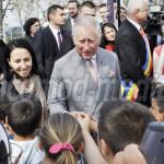 FOTO: Prinţul Charles al Marii Britanii, vizită în comunitatea romilor...