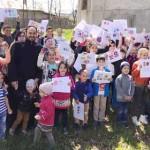 CONCURS: Copiii din Parohia Movila s-au distrat desenând ouă de Paşte