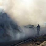 FOTO: Incendiu la o societate agricolă din Prahova, lichidat după 76 d...