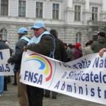 SEMNAL: Se încearcă politizarea şi baronizarea administraţiei publice ...