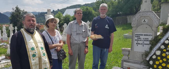 Slujbă de pomenire la mormântul Mariei Arsenescu şi al tatălui acesteia, Gheorghe Buduluca