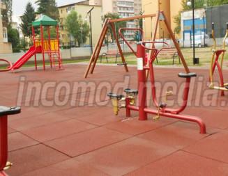 TÂRGOVIŞTE: Primăria a finalizat locul de joacă de pe strada Arcaşilor din Micro VI