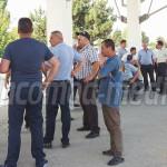 DÂMBOVIŢA: Protest spontan la Mondotrans! Angajaţii nu şi-au primit sa...