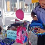 GEST: Tinerii voluntari din Titu au strâns rechizite pentru copiii săr...