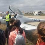 DOCUMENTARE: Elevi din judeţul Dâmboviţa, în vizită la Aerodromul din ...