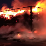DAMBOVIŢA: Autocamion în flăcări pe A1, Bucureşti-Piteşti!